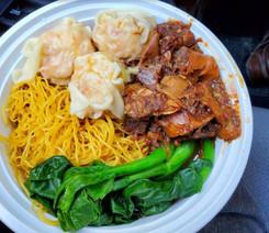 Maxi's Noodles 雲吞妹