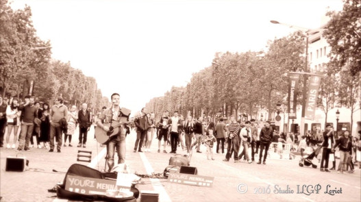 Youri Menna, Live @Champs-Elysées 05.06.2016 «Baby Can I Hold You»