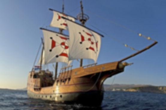 Karaka boat tour