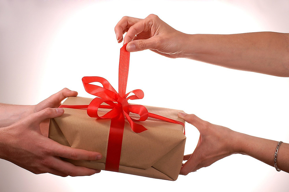 Men Gifting to a Women