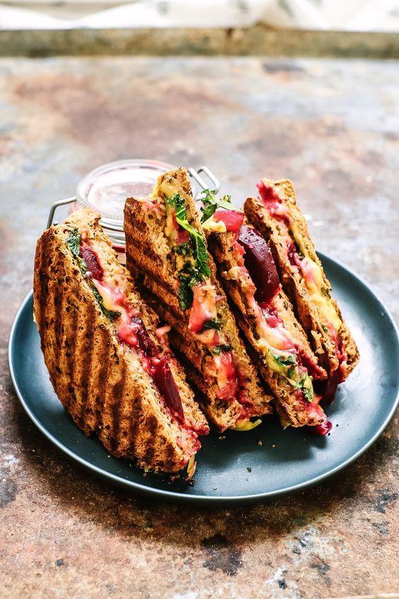Beetroot Carrot Sandwich