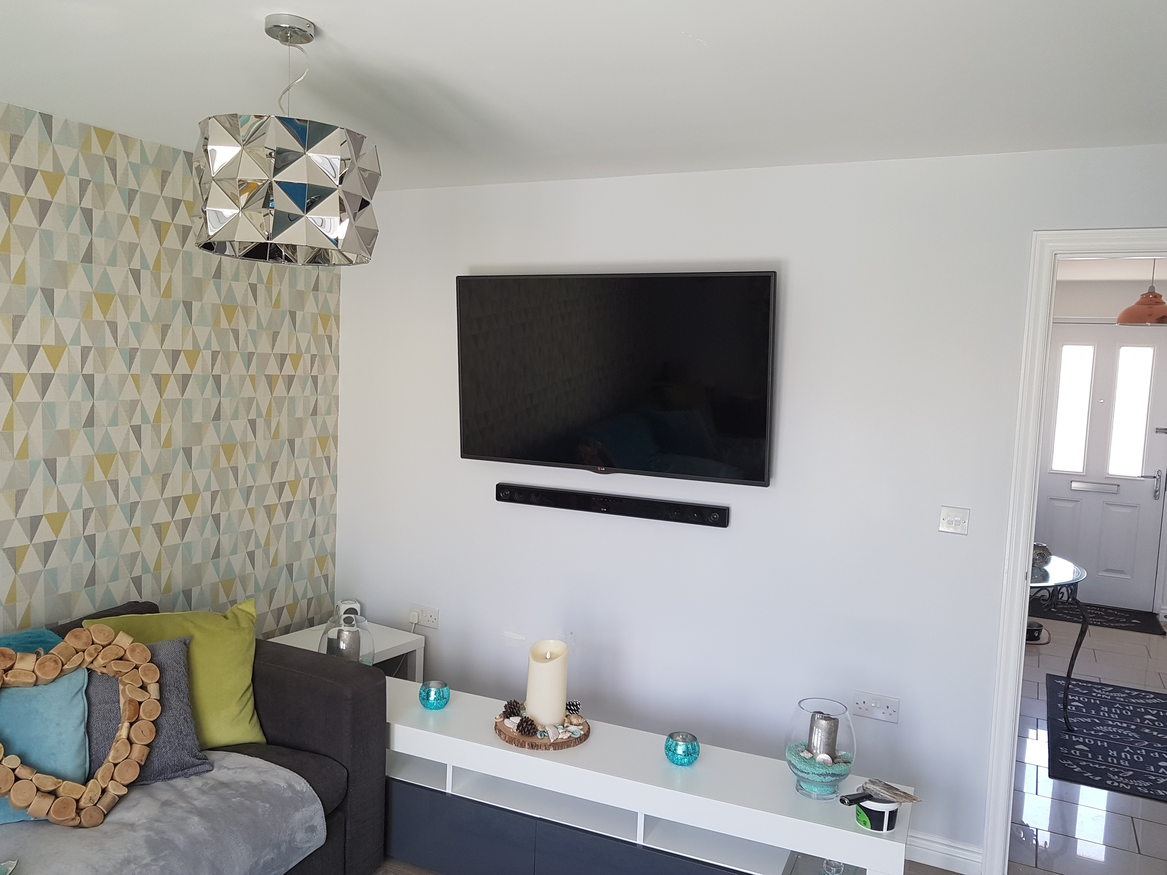 Papered and TV wall mounted_