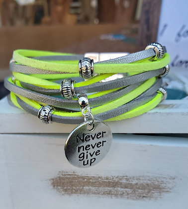 Never Give up Bracelet with magnetic clasp