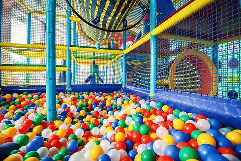Dagje-uit-gezin-indoor-speeltuin-Vakanti