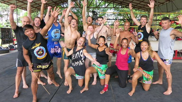 "Clinic van Charn Chai ""Muay Thai vechter en trainer"" uit Thailand"