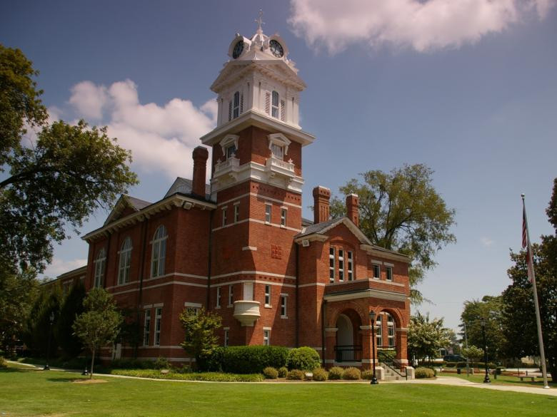 Courthouse221.jpg