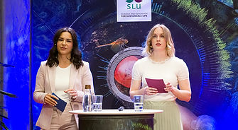 Linn Torstensson and Rebecca Johansson, oral presentation winners of Thesis Day 2020.