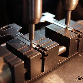 key cutting / key duplication