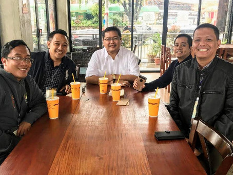PHILIPPINES | Priests of the Chapter of Our Lady of the Rosary share light moments over coffee