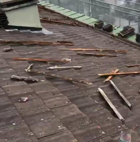 Dépose du complexe de la toiture
