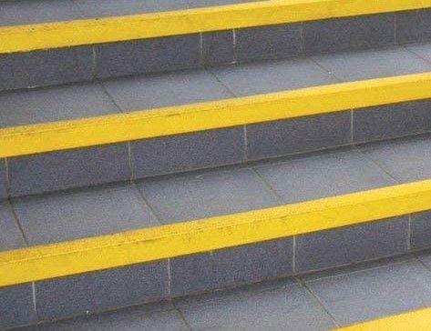 wk composites anti slip nosing stairs.jp