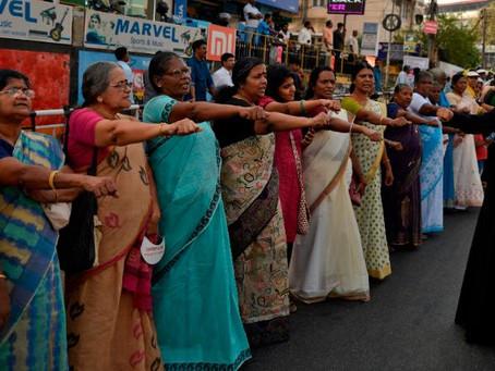 5 млн. индийки образуваха жива верига за правата на жените