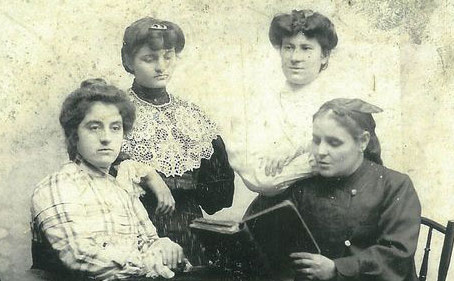 Лом - градът на първото женско дружество в България