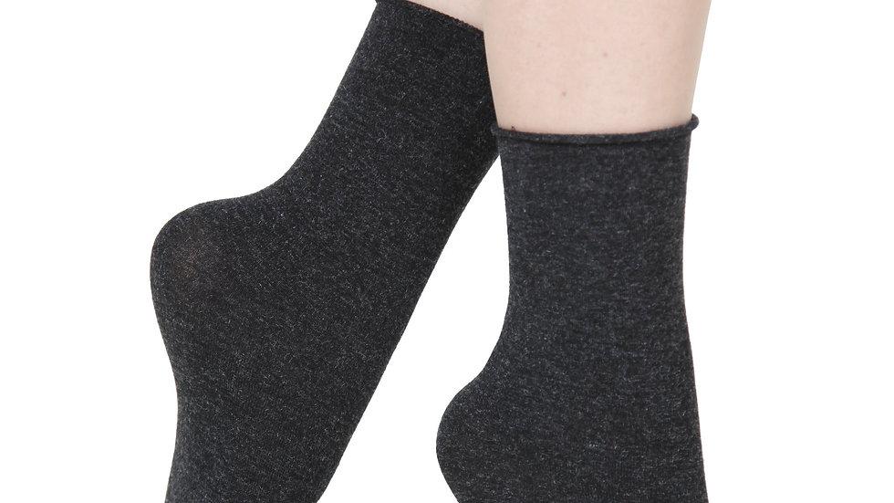ELENA dark grey socks containing silk
