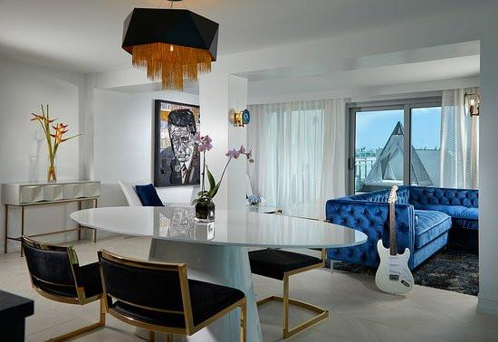 rock-star-suite-living.jpg