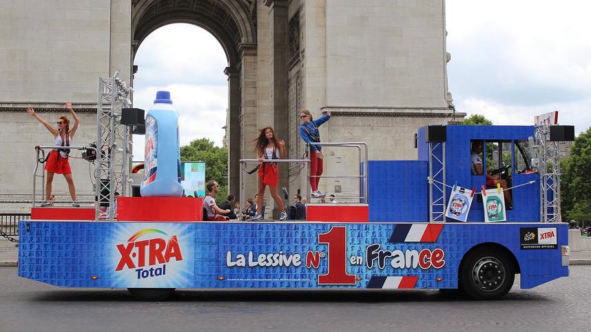 1600px-Caravane_du_Tour_de_France_2017_2