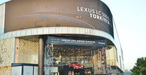 Lexus LC 500 Coupe'ye çarpıcı sergileme