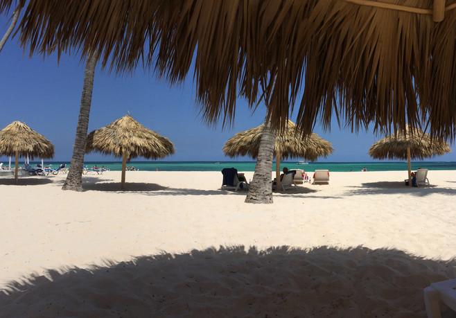 Inicio - Playa y Sombras copia.jpg