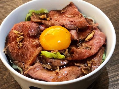 生卵入りローストビーフ丼