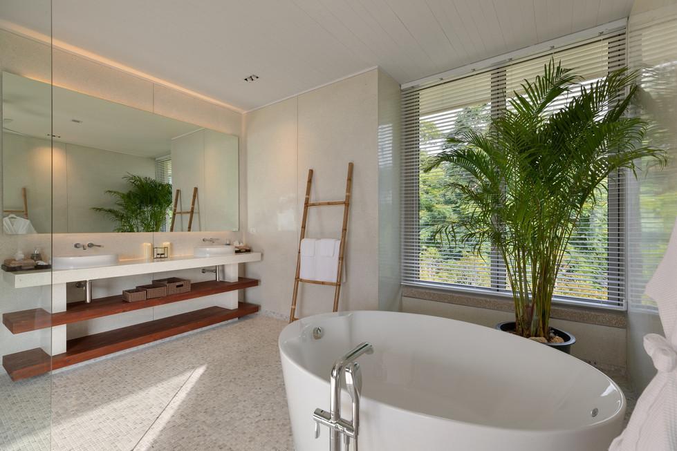 Villa-Baan-Sang-Ko-Samui-Bathtub.jpg