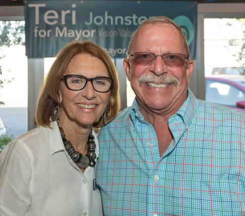 Teri Johnston at Sidebar 13 April NWM-9819.jpeg