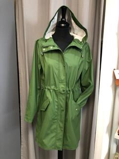 Imper vert avec capuche - 54€