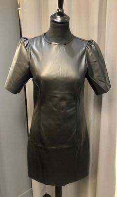 Robe similicuir - 34€