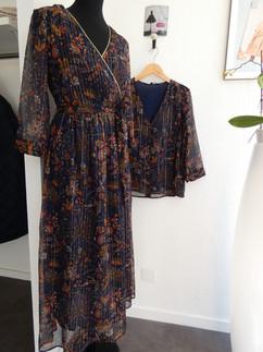 Robe (59€) et blouse (39€) en voile marine