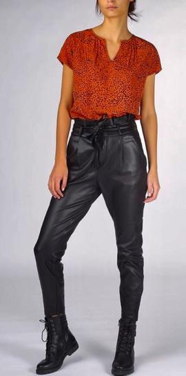 Pantalon similicuir - 44€