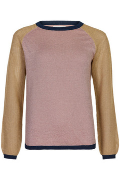 Pull léger manches longues - 54€