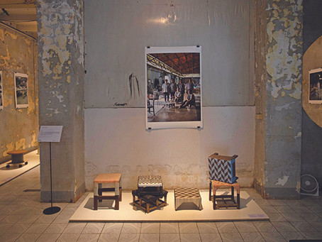 'Belong' เก้าอี้ตัวนี้ 'ของ' ฉัน