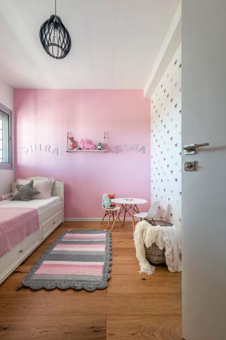 Contemporary apartment