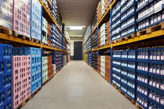 Industriefoto Lagerhalle Getränkelager