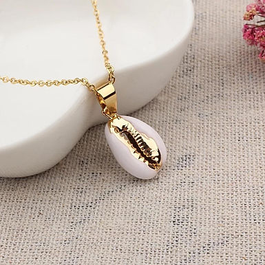 Goldie Shell Necklace