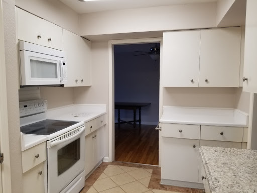 Kitchen 4B.jpg