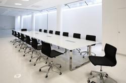 AreaTonic X7 meeting table