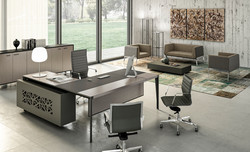 Quadrifoglio X9 Executive Desk