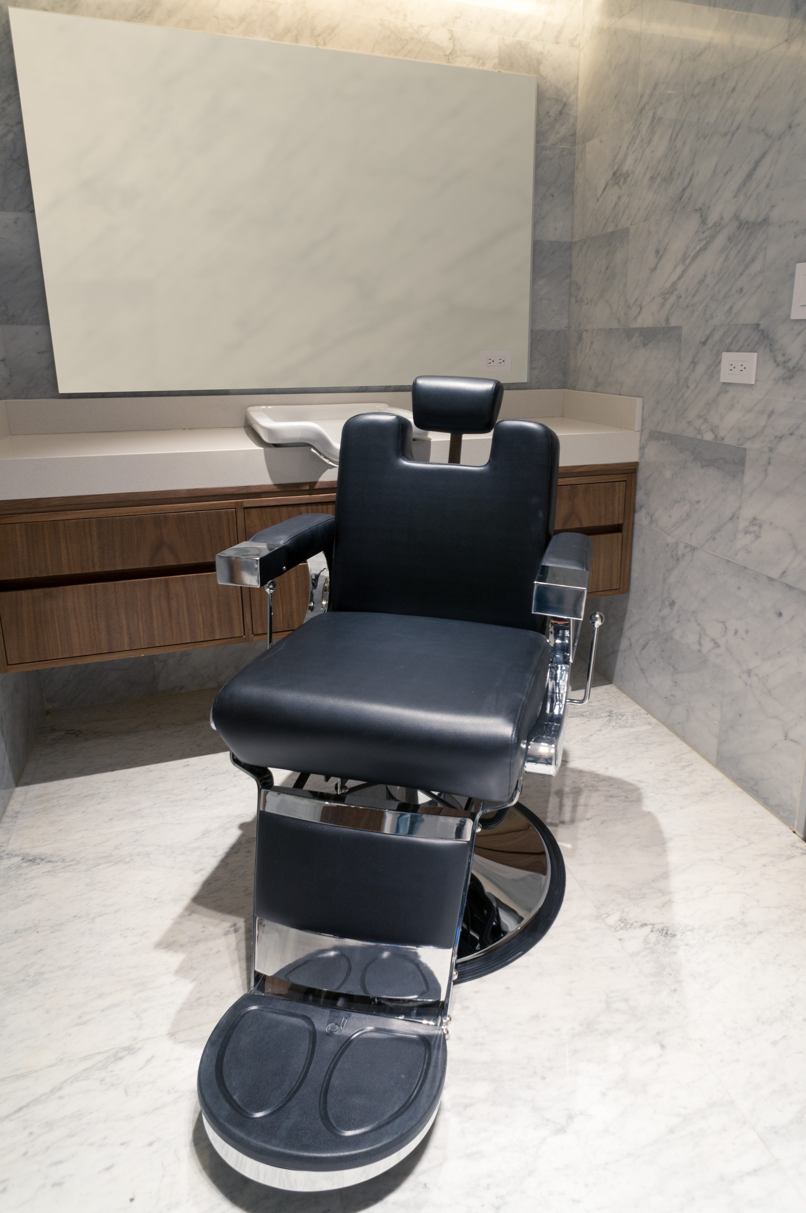 Barber chair for executive office