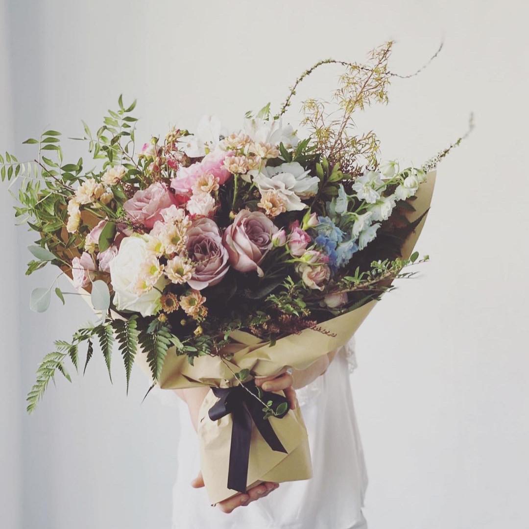 Omakase Bespoke with garden roses