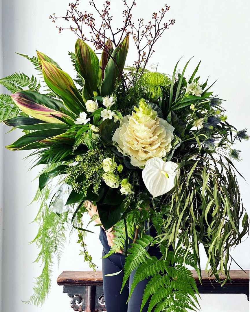 Omakase Monochrome green bouquet (big S bouquet )