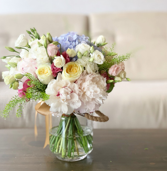Classic with peonies and garden roses
