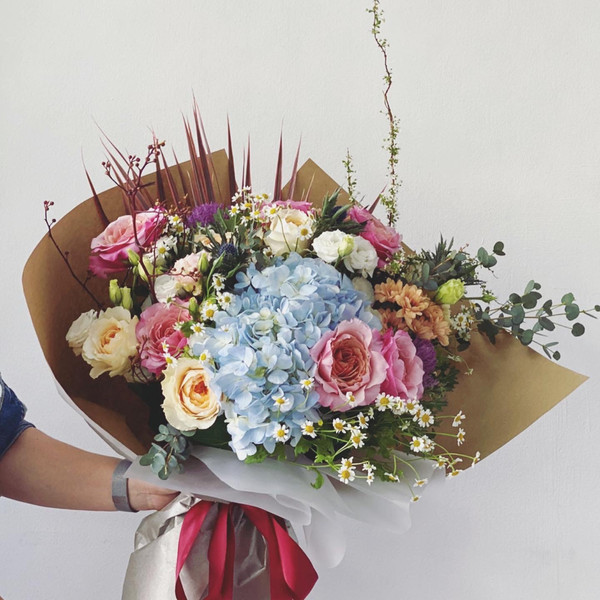 Floral extravagaza with David Austin and wabara mikoto