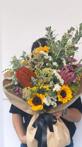 Omakase bespoke with sunflower