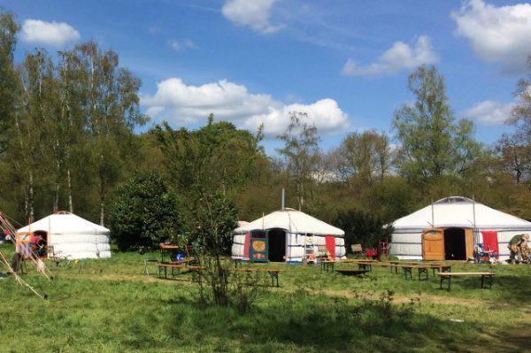 drie yurts.jpeg