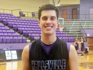 """Hallsville Seniors """"Goin' for Gold"""" in Final Season"""