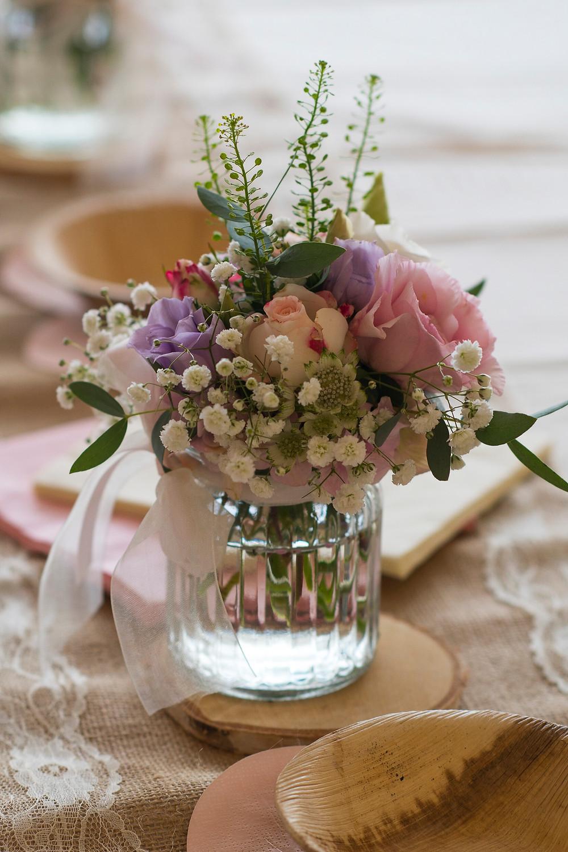 Hochzeitsblumen. Pastellfarben. Hochzeitsdekoration.