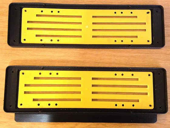 Numberplate holder with plastic insert (no nrst)