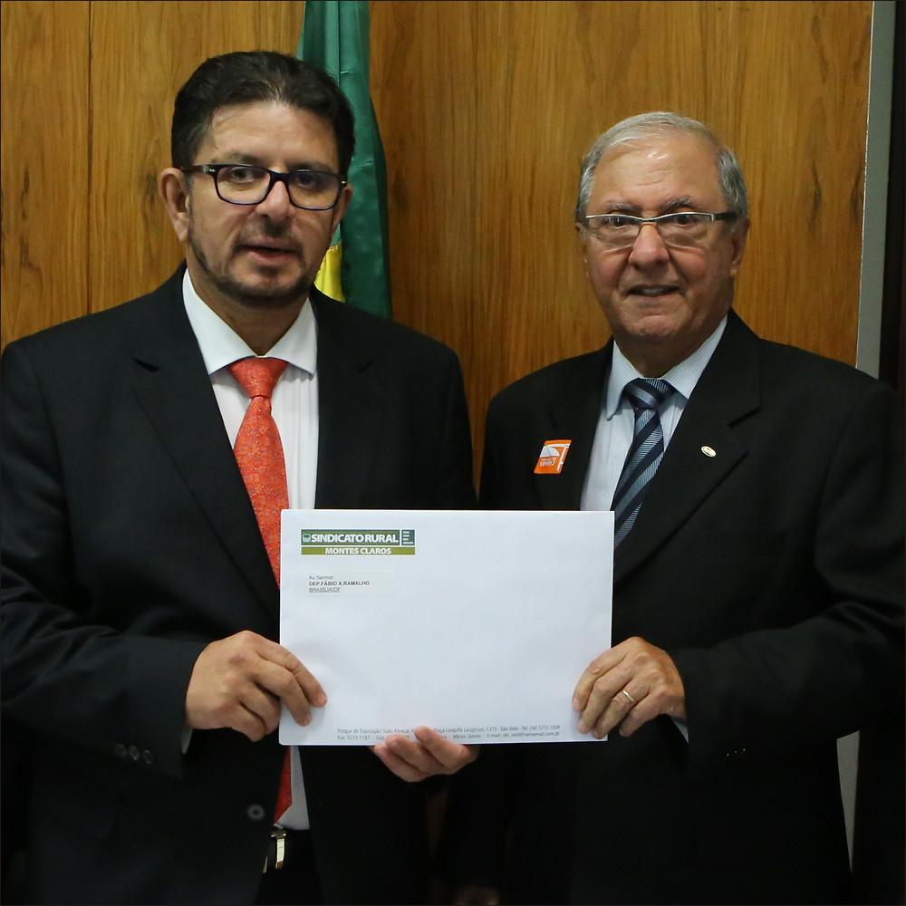 Na foto, o deputado Fábio Ramalho com o presidente do Sindicato Rural de Montes Claros, Ricardo Laughton