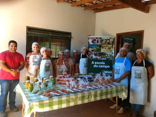 Moradores de Cabeceiras aprendem a fazer doces
