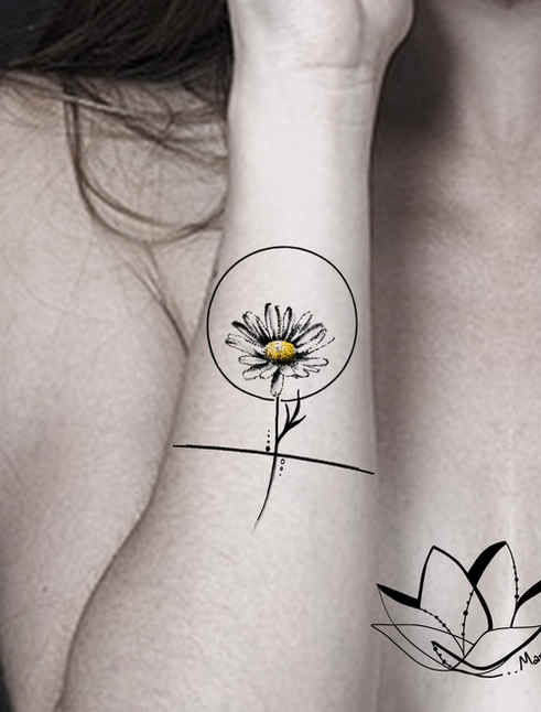 Daisy dotting design / Forearm placement